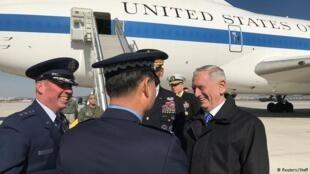美國新任防長馬蒂斯抵達首爾(2017年2月2日)