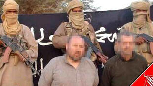 One of the photos of Serge Lazarevic et Philippe Verdon released by Aqim