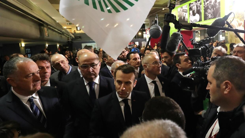Massacre au Cameroun: le président Macron dit qu'il appellera Paul Biya