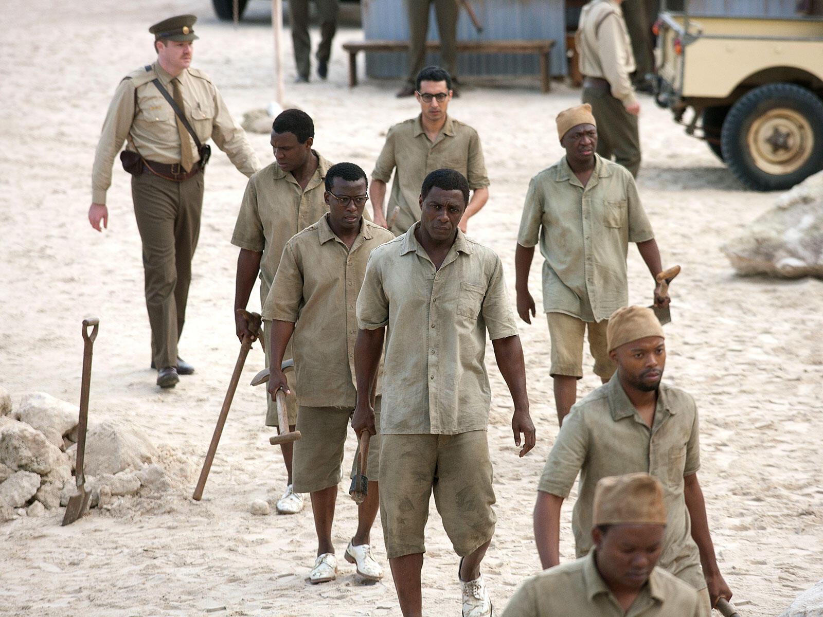 "Idris Elba interprête Mandela dans le film ""Mandela, un long chemin vers la liberté"" de Justin Chadwick."