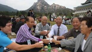 Các gia đình Triều Tiên có cơ hội tái ngộ sau nhiêu năm xa cách - GETTY