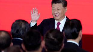 资料图片:中国国家主席习近平。摄于2018年10月23日珠港澳大桥剪彩活动。