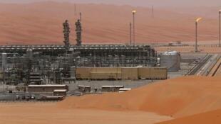 """میدان نفتی """"شیبه""""، از میادین نفتی عربستان سعودی است که متعلق به شرکت سعودی """"آرامکو"""" میباشد."""