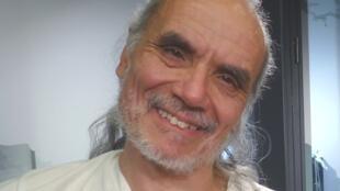 Horacio Burgos en los estudios de RFI