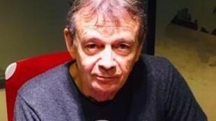 L'écrivain français Pierre Lemaitre, en studio à RFI (janvier 2020).