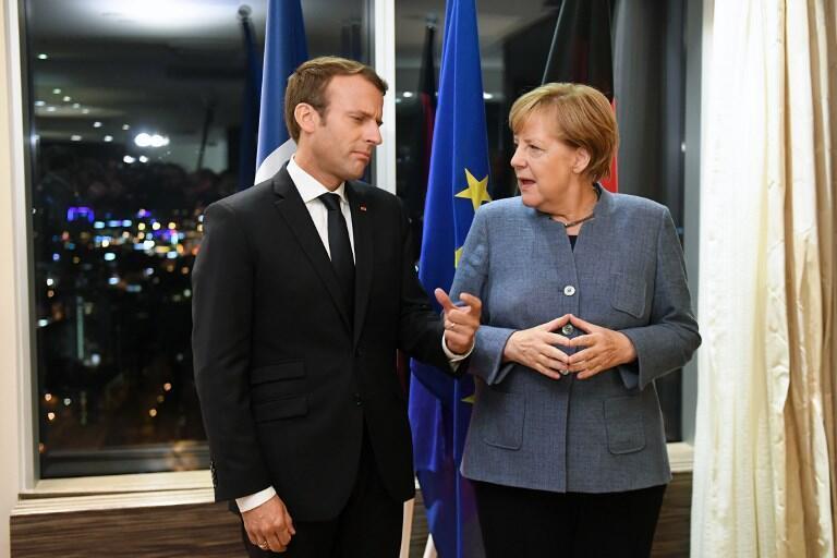 Emmanuel Macron e Angela Merkel na véspera da cimeira digital. 28 de Setembro de 2017.
