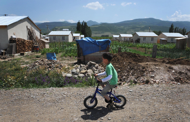 Поселок беженцев Церовани. Грузия, 30 июля 2009 г.