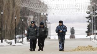 Полицейский патруль на улице Волгограда 01/01/2014 (архив)