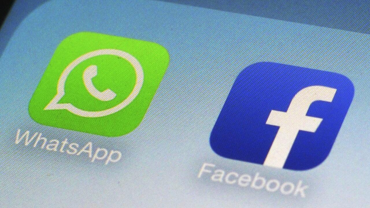 PHOTO logos WhatsApp et Facebook