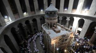 Les responsables du Saint-Sépulcre avaient décidé de fermer l'église au public pour protester contre une nouvelle mesure fiscale.