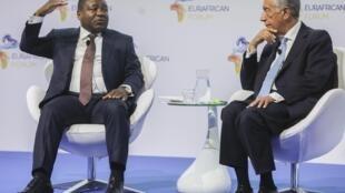 Presidentes de Portugal e Moçambique reunidos no Fórum Euro-África em Carcavelos, Lisboa.