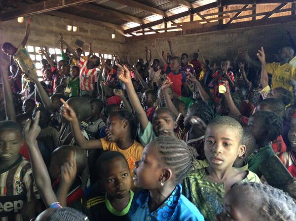 Победители детского конкурса из Центральноафриканской республики поедут в аннексированный Крым. На фото: ученики школы в городе Кабо (север ЦАР).