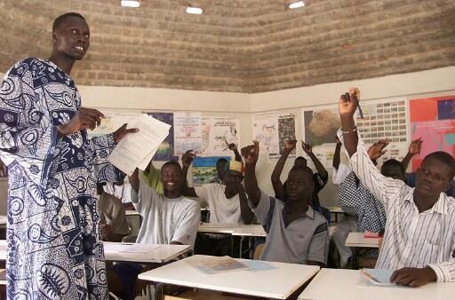 Farafina kan, mɔgɔ minnu bɛ baara nyini la, olu sanjida bɛ san 15 ani san 24 cɛ,  kɛmɛsara la 60%