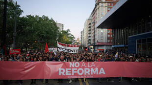 Marche contre un projet de création d'une garde militaire pour lutter contre la criminalité et l'insécurité, projet qui sera voté dans un référendum, lors de l'élection du 27 octobre 2019. Montevideo, le 22 octobre 2019.