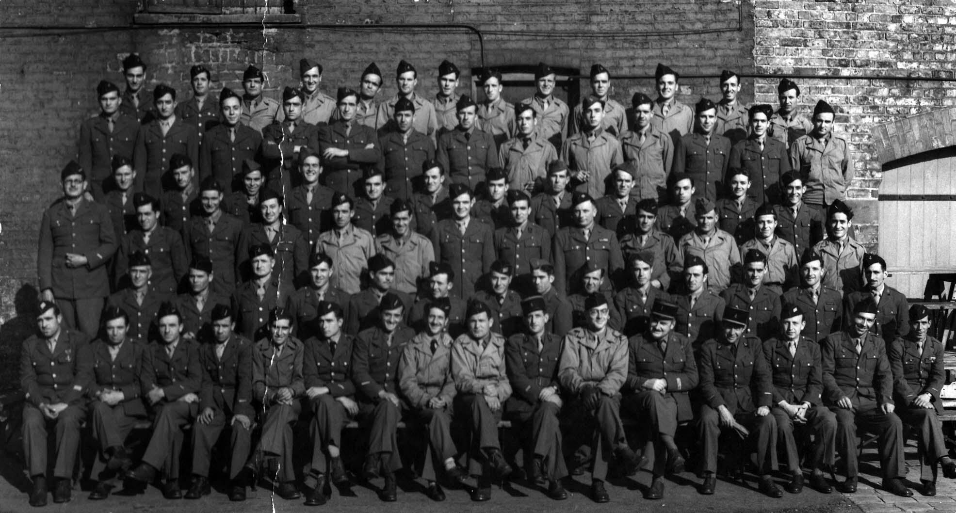 Photographie officielle de La  Nueve, prise à Dalton Hall, en Angleterre, au printemps 1944.