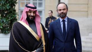 Le prince héritier saoudien Mohammed ben Salman arrive à l'hôtel Matignon pour une rencontre avec le Premier ministre Edouard Philippe lors de sa visite à Paris, le 9 avril 2018.