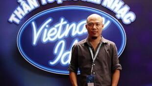 Nhạc sĩ Huy Tuấn xuất hiện trong nhiều cuộc thi hát truyền hình ở Việt Nam (DR)