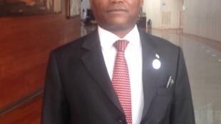 O ministro dos Negócios Estrangeiros de São Tomé, Urbino Botellho.