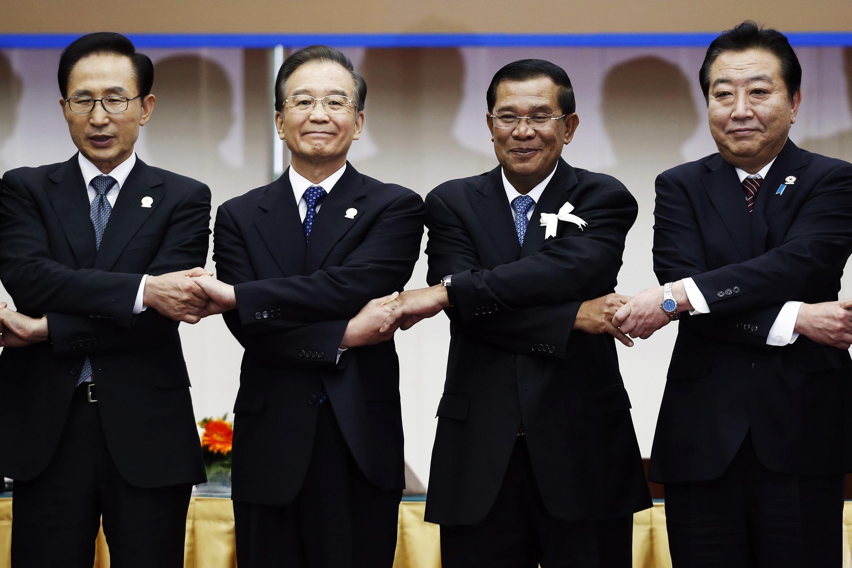 Chủ tịch Trung Quốc Ôn Gia Bảo và thủ tướng Cam Bốt Hun Sen