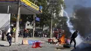 درگیری پلیس و معترضان در سائوپولو