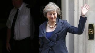 Theresa May sustituye a David Cameron.