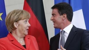 A Berlin, Manuel Valls entend changer la perception que les Allemands ont des Français.
