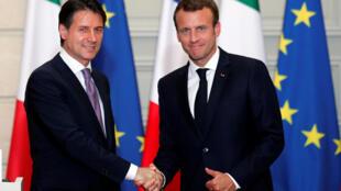 Giuseppe Conte e Emmanuel Macron se encontraram nesta sexta-feira (15), em Paris.