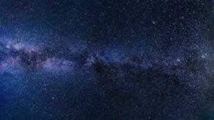 Avec la pollution lumineuse, il est rare en 2019 de voir un ciel étoilé (Photo d'illustration).