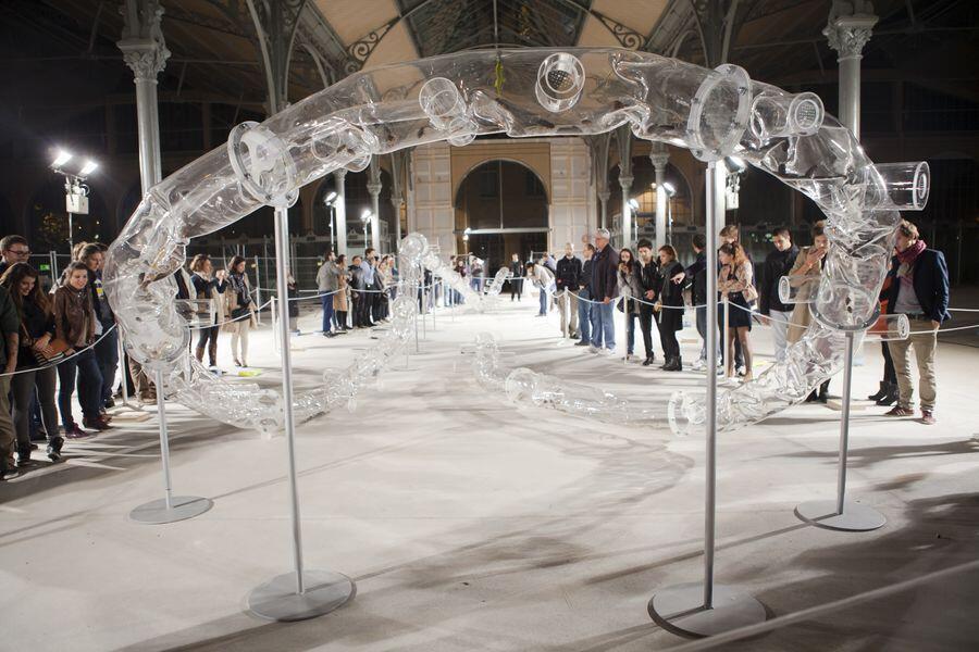 """著名藝術家黃永砯曾在三區的Carreau du Temple展出一個題為""""腰帶""""的藝術裝置作品"""