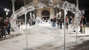 """著名艺术家黄永砯曾在三区的Carreau du Temple展出一个题为""""腰带""""的艺术装置作品"""