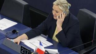Marine Le Pen au Parlement européen à Strasbourg, en décembre 2015.