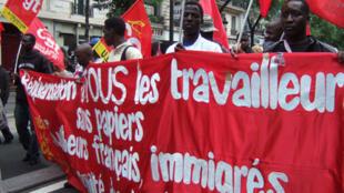 Manifestations des sans-papiers en direction de l'église Saint-Bernard. (Le 23 août 2008).