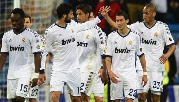 Wachezaji wa Real Madrid wakishangilia moja ya magoli waliyofunga dhidi ya Malaga