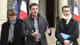 MM. Christophe Robert, Manuel Domergue et Michel Carvou, de la Fondation Abbé Pierre, le 30 janvier dernier à la sortie de l'Elysée, à Paris.