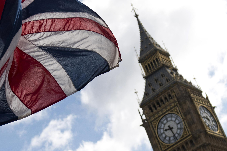 A recessão recorde no Reino Unido devido à pandemia de coronavírus provoca enormes problemas sociais, com uma redução de 730 mil pessoas entre os empregados de março a julho.