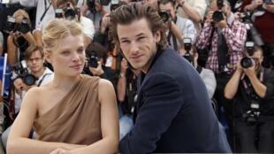 """Melanie Thierry và Gaspard Ulliel (trái) hai diễn viên trong bộ phim """"Công chúa Montpensier"""", tại Liên hoan Cannes lần thứ 63"""