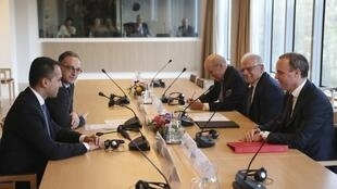 Les ministres des Affaires étrangères français, britannique, italien et allemand et le chef de la diplomatie européenne ont discuté ce mardi de la situation en Libye.