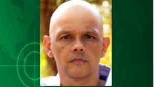Le portrait de l'ex-chef des FARC, el Paisà, disparu dans la nature depuis un an et désormais activement recherché, s'affiche dans les journaux et sur les réseaux sociaux.
