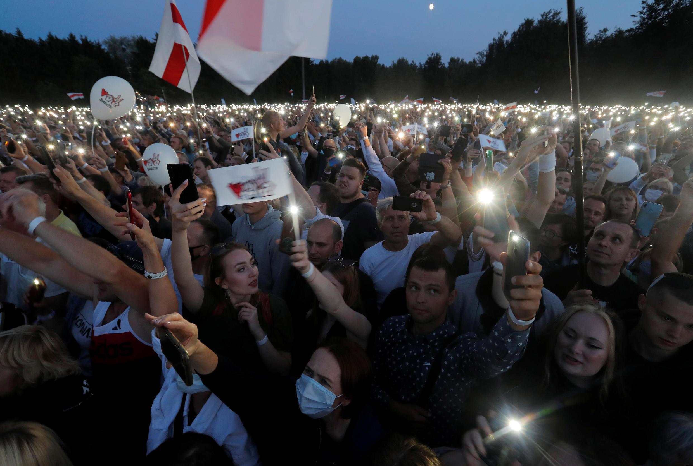 Митинг в поддержку кандидата в президенты Светланы Тихановской в Минске, 30 июля 2020.