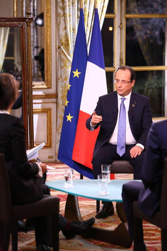 François Hollande, lors de l'entretien accordé à RFI, France 24 et TV5, ce samedi 7 décembre à l'issue du sommet de l'Elysée.