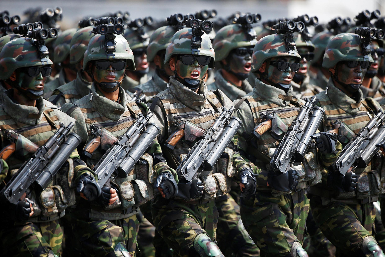 رژه سربازان کره شمالی