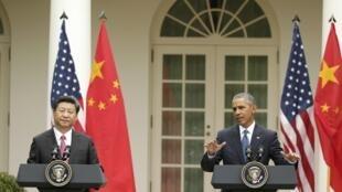 Chủ tịch Trung Quốc Tập Cận Bình (P) và Tổng thống Mỹ Barack Obama, trong buổi họp báo chung ngày 25/09/2015.