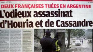 Manchete do jornal francês Le Parisien, o assassinato de duas francesas na Argentina.
