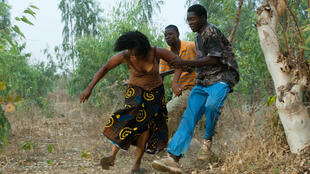 «Bayiri, la patrie», un film du Burkinabè Pierre Yameogo sur le drame de ses compatriotes chassés de la Côte d'Ivoire en 2002.