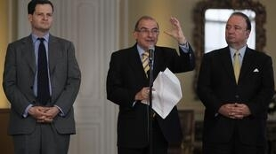 Los negociadores Sergio Jaramillo y Humberto de la Calle, entre otros, serían el blanco de las escuchas ilegales.
