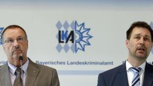 El jefe de la policía de Baviera, Robert Heimberger, y el procurador de Múnich, Thomas Steinkraus-Koch, durante una conferencia de prensa, este 24 de julio de 2016.