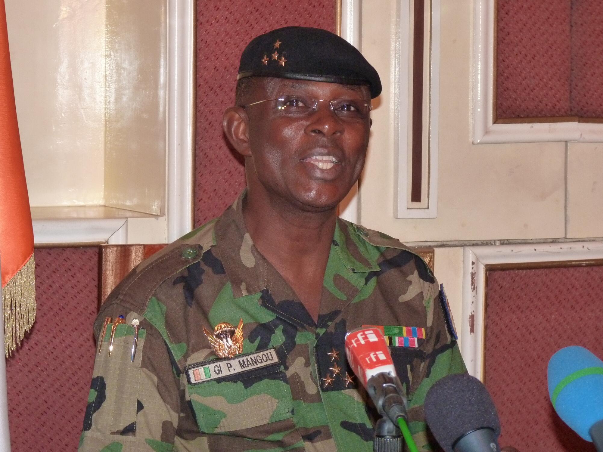 Général Philippe Mangou, Babban habsan sojan Côte d'Ivoire da ya tsere
