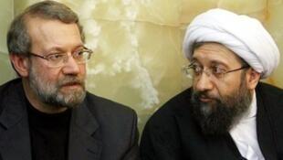 """برادران لاریجانی : """"صادق""""، رئیس قوه قضائیه و """"علی"""" رئیس قوه مقننه جمهوری اسلامی ایران."""