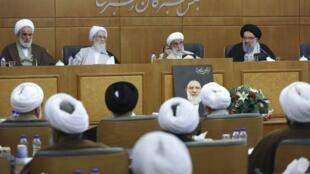 پنجمین جلسه مشترک هیات رئیسه و کمیسیونهای داخلی مجلس خبرگان رهبری روز پنجشنبه ١٧ ژانویه/ ۲٧ دی ۱۳۹۷ به ریاست آیت الله احمد جنتی برگزار شد.