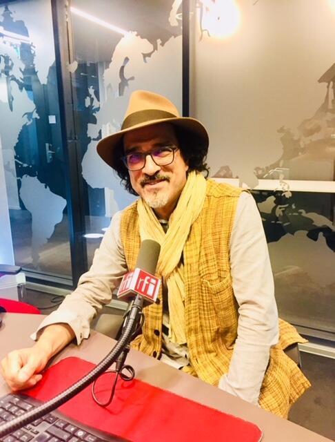 L'écrivain franco-afghan Atiq Rahimi en studio à RFI (juin 2019).
